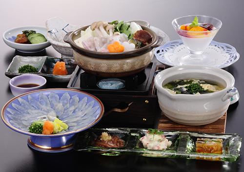 【冬得】期間限定 夕食に「ふく会席」がついてお一人様 10,800円